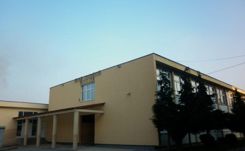 Glasajte za naš projekat – Uređenje školskog hola i školskog natpisa na zgradi škole